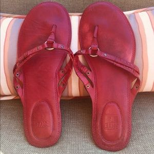 Frye thong leather sandals.